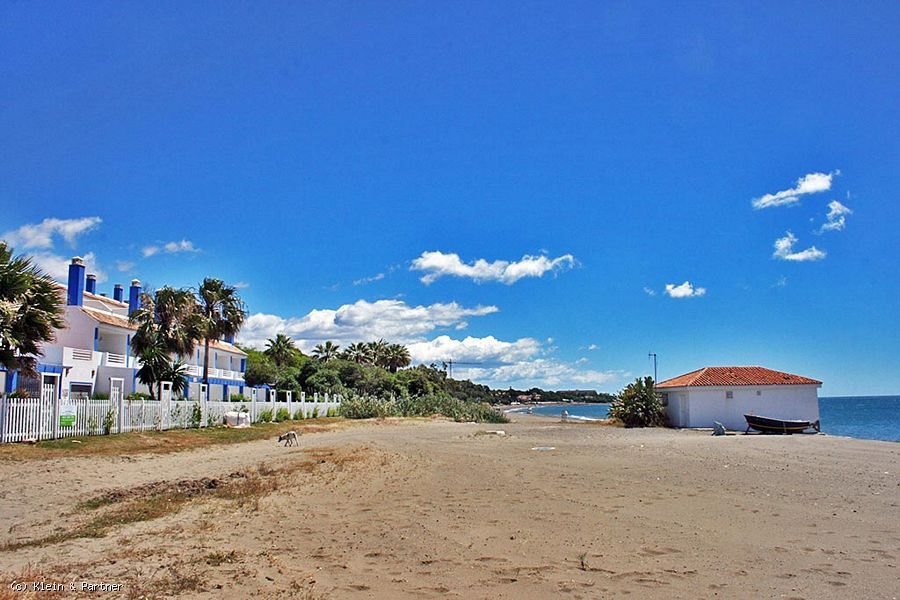First Line Beach Townhouse Property for sale in Estepona
