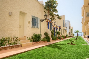 2 Bedroom Townhouse for sale in Urb. El Pirata Estepona New Golden Mile