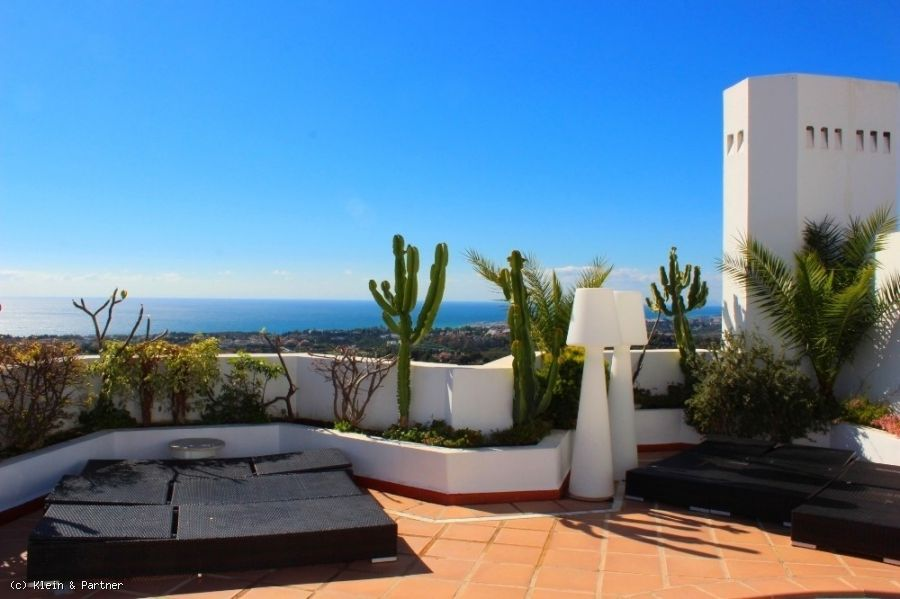 4 Bedroom Duplex Penthouse in Jardines Colgantes Marbella Hill Club