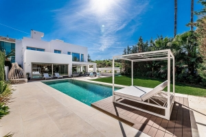 2nd Line Beachside Mansion on Marbella Golden Mile