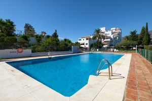 Fully Renovated Front Line Beach Duplex Penthouse in Bahia de Estepona