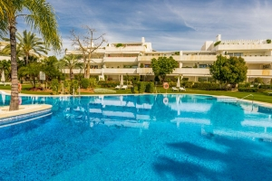 2 Bedroom Apartment Los Granados Golf in Nueva Andalucia
