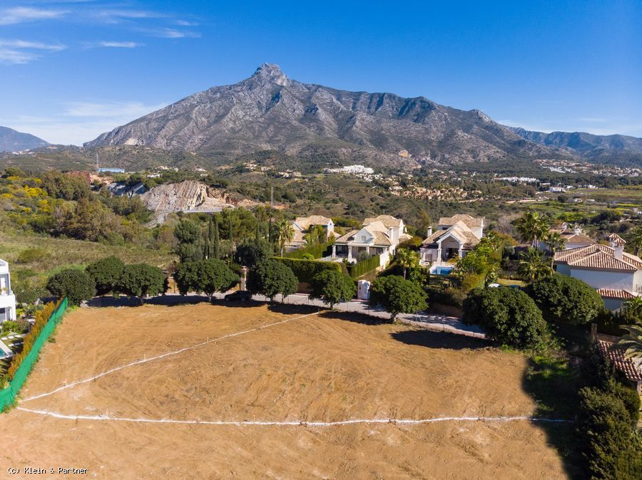 2 Plots in Las Lomas de Marbella Club with Project and Building License