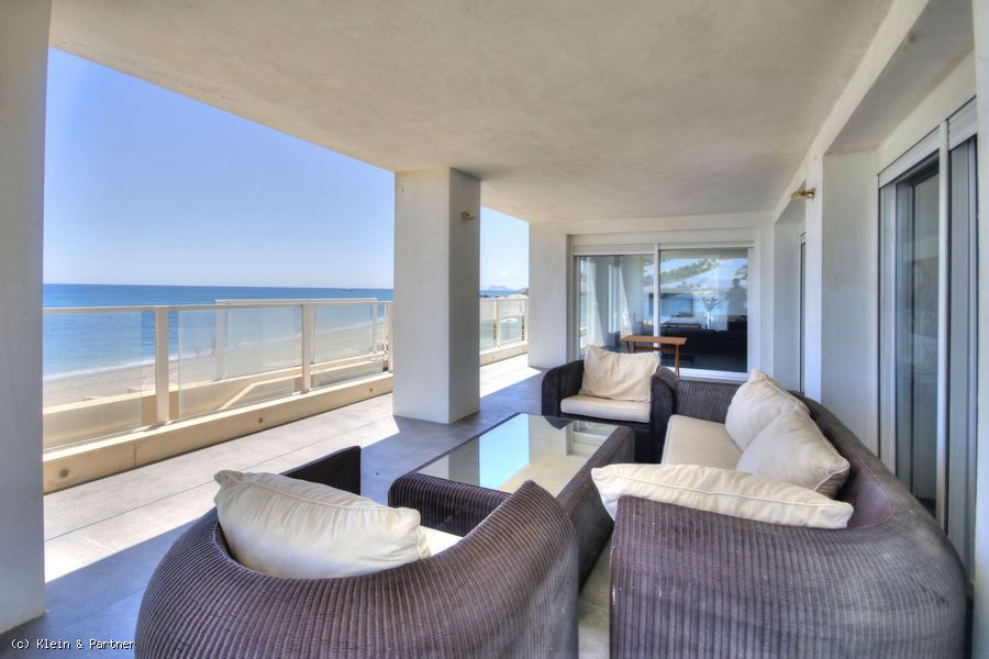 3 Bedroom Front Line Beach Villa for sale in Arroyo Vaquero