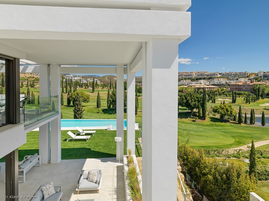New Contemporary style Villa for sale with views of the Flamingos Golf course