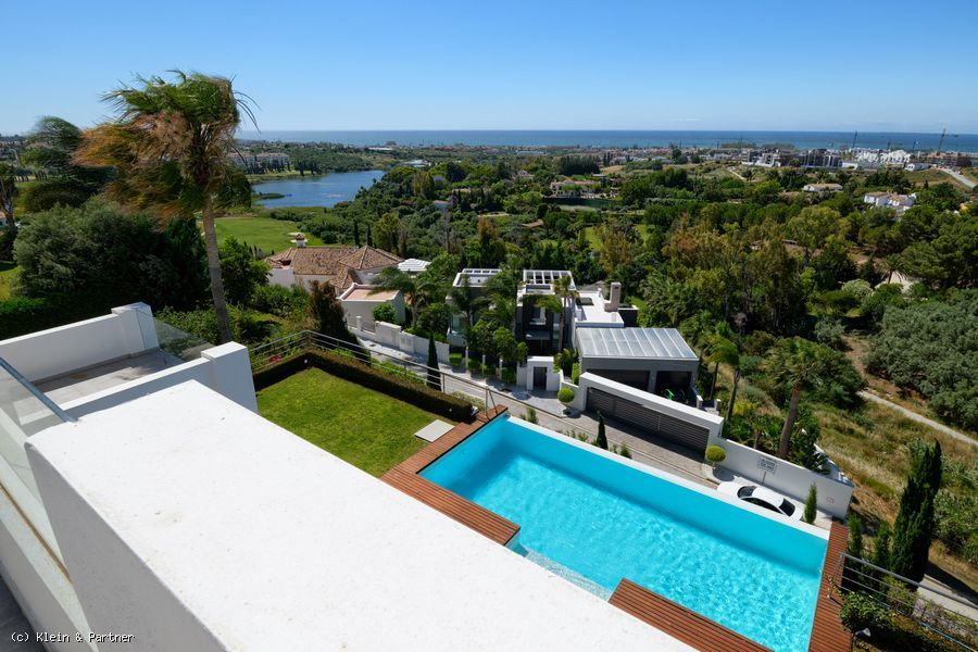 Villa with panoramic sea views in Los Flamingos Golf Resort